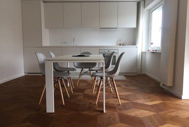 Wohlfühlen der Extraklasse! Möblierte Traum-Wohnung Exklusive 3- Zi-Whg. mit 2 Balkonen München/Auenstraße