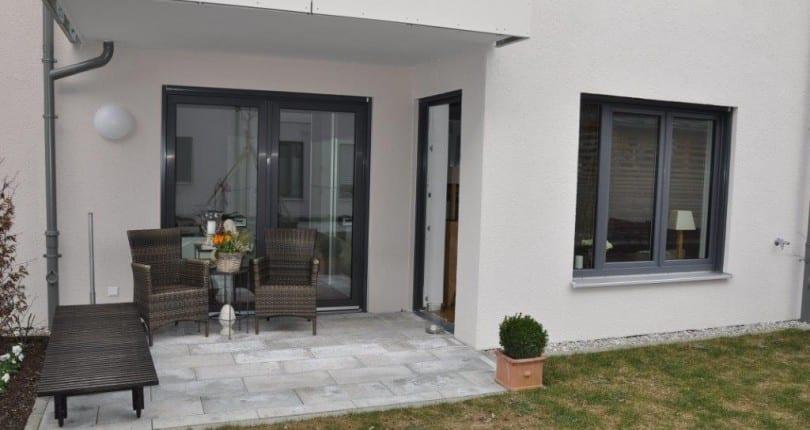 Wohnen in der Stadt! Moderne 2-Zi-EG-Whg. mit Terrasse in Traunstein